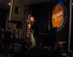 namm2017-la-day2-sheraton-acoustic-stage-performance-12
